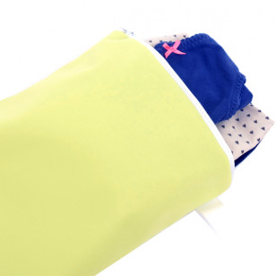 Pochette imperméable pour vêtement mouillé-vert