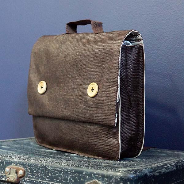 Cartable enfant rétro, marron et boutons bois, petit format
