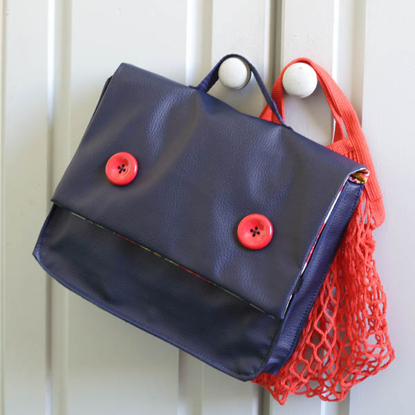 Petit cartable bleu marine, 2 modèles petit format