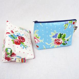 Trousse enduite fleurs kitch - existe en 2 couleurs